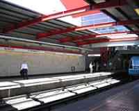 Pajaritos metro station